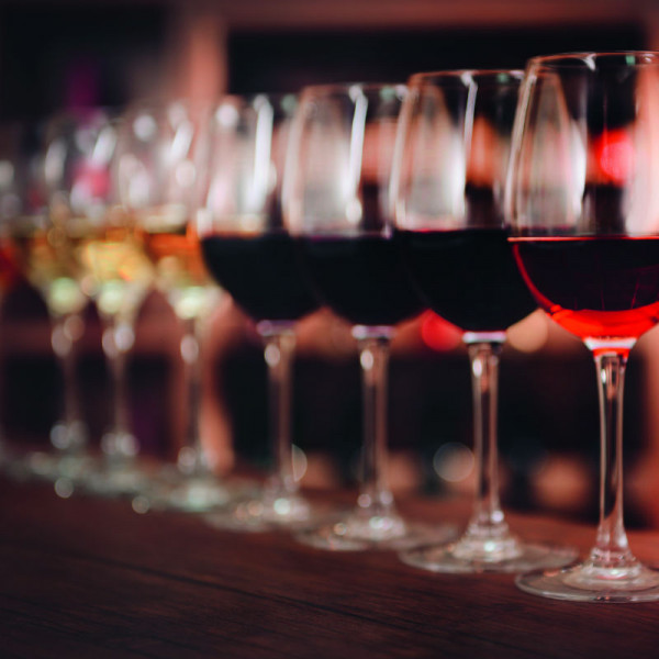 Wie-kommt-Wein-zu-seiner-Farbe_800x800